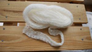 編まれたひも状毛糸