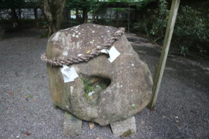 丹生川上神社下社むすびいし